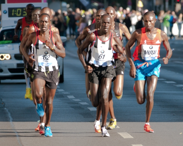 Berlin_marathon_2012_am_kleistpark_between_kilometers_21_and_22_30.09.2012_10-07-07